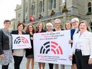 Die Präsidentinnen der Eidgenössischen Kommission für Frauenfragen, der Frauendachorganisationen und die Nationalratspräsidentin rufen gemeinsam zur Wahl von Nationalratskandidatinnen auf. Es sei Zeit für «halbe-halbe». (Bild: Eidgenössische Kommission für Frauenfragen)