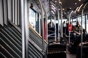 Sexuelle Handlungen in öffentlichen Verkehrsmitteln: Laut Polizei kein Einzelfall. (Bild: Sabrina Stübi)