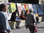 Im Kanton Genf sind rund 20 fehlerhafte Abstimmungscouverts verschickt worden. (Bild: KEYSTONE/PETER SCHNEIDER)