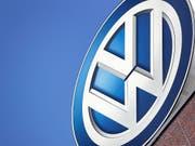 Nach langer Vorbereitung kommt es am heutigen Montag in Deutschland zum ersten grossen Gerichtsverfahren gegen den deutschen VW-Konzern wegen des Abgas-Skandals. (Bild: KEYSTONE/AP/MICHAEL SOHN)