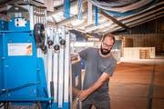Beat Rüegsegger kann auch in hektischen Zeiten des Aufbaus Ruhe bewahren. Bild: Urs Bucher