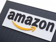 Rekordstrafe von vier Millionen Euro gegen den Online-Händler Amazon. Das französische Handelsgericht hält es für erwiesen, dass der US-Konzern Anbieter auf seinem «Marktplatz» im Internet benachteiligt. (Bild: KEYSTONE/EPA/FRIEDEMANN VOGEL)