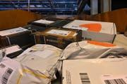 Paketzentrum Härkingen: Nicht alle Sendungen aus dem Ausland sind korrekt deklariert. (Bruno Kissling)