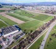Der geplante Fachmarkt Ebnet soll zwischen der Portas AG und der Autobahn A1 zu stehen kommen. (Bild: Olaf Kühne)
