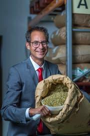 Bevor ein neues Rausch-Produkt auf den Markt kommt, wird es von Lucas Baumann ausgiebig getestet. (Bild: Michel Canonica)