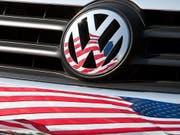 Ein US-Kontrolleur schaut Volkswagen auf die Finger, damit sich Verfehlungen wie im Dieselskandal nicht wiederholen können: Im zweiten Jahr seiner Arbeit konnte er keine Verstösse gegen die Auflagen feststellen. (Bild: KEYSTONE/EPA DPA FILE/FRISO GENTSCH)