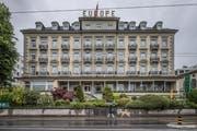 Muss sich den Auflagen der Tourismuszone unterordnen: Das Grand Hotel Europe an der Haldenstrasse 59. (Bild: Pius Amrein, Luzern, 20. Mai 2019)