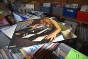 Tausende Schallplatten stehen zum Verkauf. (Bild: Markus Schoch)