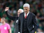 Vladimir Petkovic ist enttäuscht: Sein Team hat in Irland den Sieg verpasst (Bild: KEYSTONE/AP/PETER MORRISON)