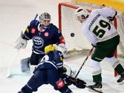 Ambris Goalie Dominik Hrachovina zeigte gegen Färjestad Karlsbad eine starke Partie (Bild: KEYSTONE/Ti-Press/SAMUEL GOLAY)