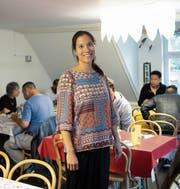 Solihausleiterin Miriam Rutz in der Mittagstisch-Runde. Bild: Ralph Ribi