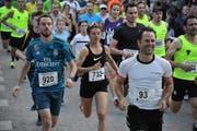 Andreas Herger aus Flüelen (Startnummer 920) setzte sich beim dritten Abendlauf bei den Männern durch. Bei den Frauen triumphierte Maria Christen (Startnummer 732). (Bild: Urs Hanhart, Seedorf, 4. September 2019)