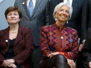 Altersbeschränkung aufgehoben: Die 66-jährige Kristalina Georgiewa (links) kann Nachfolgerin von Christine Lagarde an der Spitze des IWF werden. (Bild: KEYSTONE/EPA/SHAWN THEW)