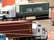 Die USA und China wollen wieder Gespräche zum Handelsstreit aufnehmen. (Foto: Etienne Laurent/EPA) (Bild: KEYSTONE/EPA/ETIENNE LAURENT)