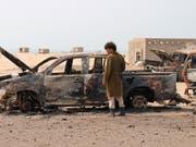 Nach einem Luftangriff durch die Vereinigten Arabischen Emirate im südlichen Jemen. (Bild: KEYSTONE/AP/WAIL AL-QUBATY)