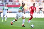 Wann darf Lichtsteiner der Schweiz wieder helfen? Neu spielt der Noch-Captain in der Bundesliga für Augsburg (Bild: Keystone)