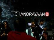 Im indischen Raumfahrtzentrum war in der Nacht auf Samstag die Enttäuschung gross, als die Kommunikation zur Mond-Mission Chandrayaan-2 abgerissen ist. (Bild: KEYSTONE/EPA/JAGADEESH NV)