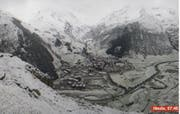 Es schneielet, es beielet, es geit e chüele Wind ... (Bild: Screenshot / Webcam Andermatt Swiss Alps)