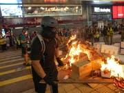 Für tausende Hongkonger gibt es noch keinen Grund, die Protestmärsche zu beenden. (Bild: KEYSTONE/EPA/JEROME FAVRE)