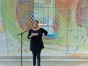 Barbara Affolter, Präsidentin des Vereins Museumsnacht, spricht in der Kunstzone der Lokremise. (Bild: Daniel Wirth - 7. September 2019)