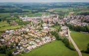 Im Dorfkern von Waldkirch sollen in Zukunft mehr Menschen leben. (Bild: Urs Bucher, Waldkirch, 20. Mai 2018)