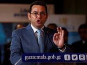 Nach dem Tod von Soldaten hat der Präsident von Guatemala, Jimmy Morales, den Ausnahmezustand in einigen Regionen verhängt und der Kongress stellte sich hinter die Massnahme. (Bild: KEYSTONE/EPA EFE/ESTEBAN BIBA)