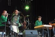Die Band «Móran Téada» um die aus Nesslau stammenden Geschwister Larissa und Patrick Baer trat erstmals vor grösserem Publikum am Irish Openair in Ennetbühl auf. (Bild: Michael Hug)