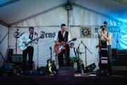 Rock n' Roll auf der Dorfbühne: The Lakeside Jerks.