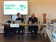 Die Medienkonferenz der Aktionskünstler, mit Patrick Frey als «Pressesprecher». (Bild: Valeria Heintges)