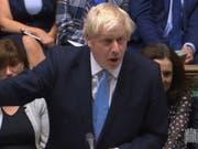 Der britische Premierminister Boris Johnson ist in der Nacht auf Dienstag erneut im Unterhaus in London mit seinem Antrag auf Neuwahlen gescheitert. (Bild: KEYSTONE/EPA UK/UK PARLIAMENTARY RECORDING UNIT / HANDOUT)