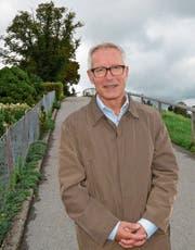 Entlang des Höhenwegs resümierte Kurt Geser seine bisherige Amtszeit. Bild: Martin Schneider