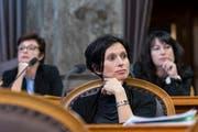 Sie stehen vor ihrer letzten Session im Bundeshaus: Die SP-Ständerätinnen Pascale Bruderer (AG, vorne), Anita Fetz (BS, links im Hintergrund) und Géraldine Savary (VD). (Bild: Alessandro della Valle/Keystone)