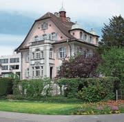 Steht an den Denkmaltagen zur Besichtigung offen: die Villa Hotz an der Chamerstrasse in Zug.Bild: Melk Nigg