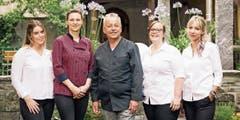 Küchenchef Fritz Tatzl mit seinem Team. (Bild: Bilder: pd)