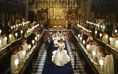 Prinzessin Eugenie and Jack Brooksbank verlassen die St. George's Kapelle. (Bild: Toby Melville/Pool via AP (Windsor, 12. Oktober 2018))