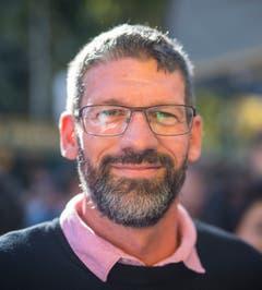 Ausdauersportler Markus Piasente ist alle 140 Treppen der Stadt St.Gallen hochgerannt – am Stück. Als Stärkung gab es für diese Topleistung eine Bratwurst vom «A».