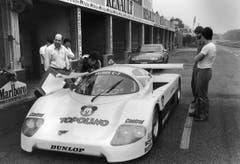 Peter Sauber (links) bei einem Test des «Sauber-C-7» in Monza (Bild: Keystone/str (3. Juni 1983)