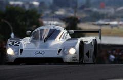 Der Sauber-Mercedes C11 von Jonathan Palmer (GBR)/Stanley Dickens (SWE)/Kurt Thiim (DEN) 1991 in Le Mans. Der Wagen kam nicht ins Ziel. 1989 hingegen gewann Sauber das legendäre 24-Stunden-Rennen. (Bild: Sutton/Freshfocus (Le Mans, 22. Juni 1991))-------------------------------------------------------------