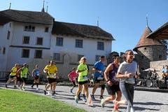 Zum ersten Mal startet der Lauf über zehn Kilometer beim Schloss Hallwyl. (Bild: Andy Mettler/Swiss Image)