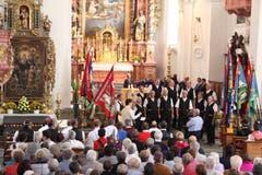 Die Flüeler Sängerknaben untermalten mit Liedern die heilige Messe. (Bild: Paul Gwerder, Bürglen, 14. Oktober 2018)