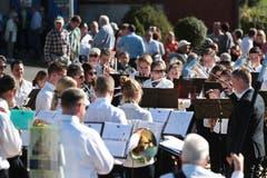 Die Musikgesellschaft Walchwil spielt zu der Festansprache. (Bild: Roger Zbinden (Walchwil, 13. Oktober 2018))