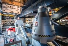 Mit einem Heliumballon wurde die Druckkapsel in die Stratosphäre gebracht. Die originale Kapsel und der Hochdruckanzug fanden nach einer Tour um die Welt ein dauerhaftes Zuhause im Verkehrshaus der Schweiz.Bilder (PD)