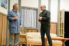 Hier trifft der Pfarrer (Roger Rutz) auf den «Handwerker» Stefan Witzig (Markus Saxer).