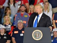 Schon mitten im Wahlkampf: US-Präsident Donald Trump sprach am Samstag im US-Bundesstaat Kentucky vor Anhängern. (Bild: KEYSTONE/FR43398 AP/TIMOTHY D. EASLEY)