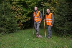 Dani Gübeli und Ron D'Hollosy treiben das Wild... (Bild: Raphael Rohner)