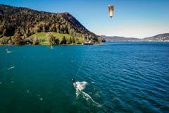 Das wunderbare Herbstwetter am Ägerisee macht dem Engadin Konkurrenz. (Bild: Timo Eisenhut)
