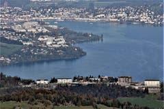 Blick vom Buochserhorn über das Bürgenstock Resort nach Luzern. (Bild: Paul von Allmen (Buochserhorn, 16. Oktober 2018))