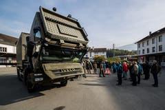 Fahrzeugausstellung der Armee in Sarnen.