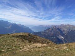 Vom Gibel auf 2035 Meter über Meer hat man eine herrliche Aussicht auf die Berge und den Brienzersee. (Bild: Urs Gutfleisch (Gibel, 17. Oktober 2018))
