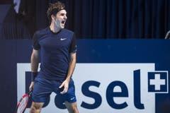 2015 - Roger Federer freut sich über den Finalsieg gegen Rafael Nadal (KEYSTONE/Dominic Steinmann)